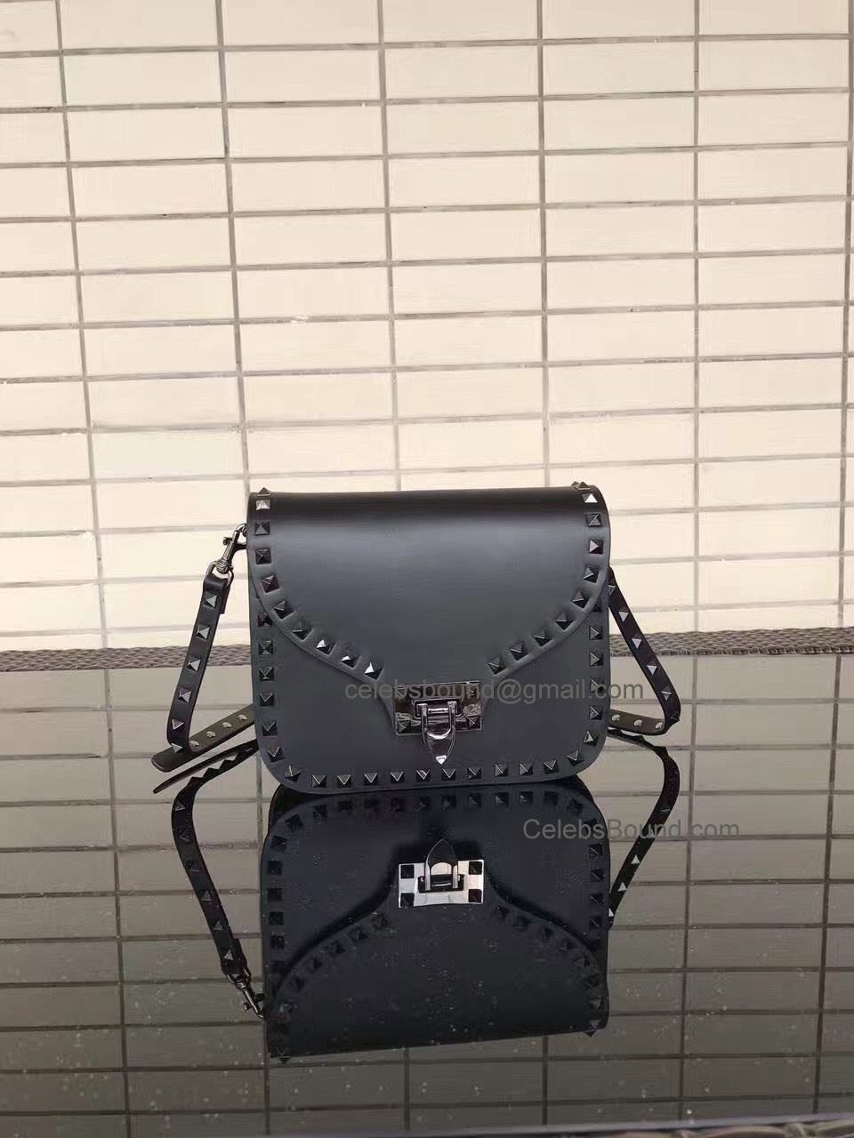 Valentino Rockstud Smooth Calfskin Cross Body Bag Noir